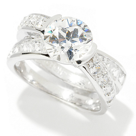121-863 - TYCOON Platinum Embraced™ 3.76 DEW Round Cut Simulated Diamond Crisscross Ring