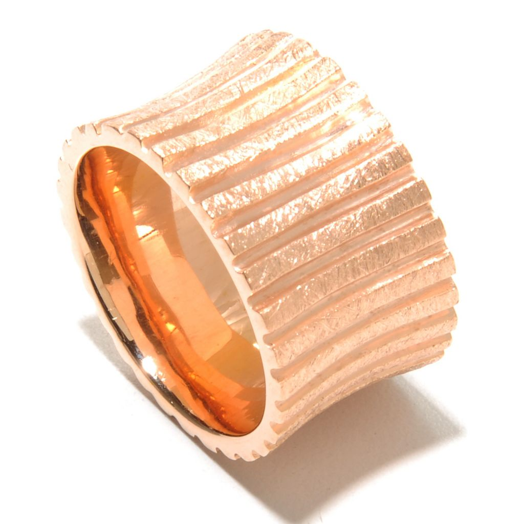 136-775 - Toscana Italiana 18K Gold Embraced™ Textured Concave Cigar Band Ring