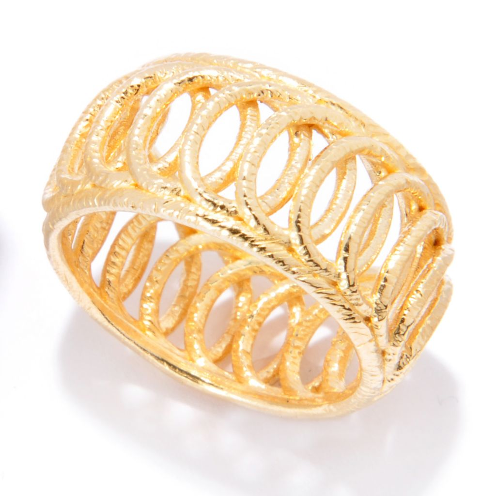136-828 - Portofino 18K Gold Embraced™ Textured Circle Overlay Band Ring
