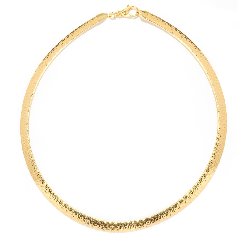 137-487 - Toscana Italiana 18K Gold Embraced™ Polished & Hammered Omega Necklace
