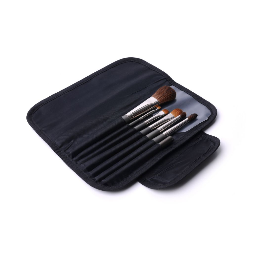 308-242 - MUD Seven-Piece Travel Brush Kit