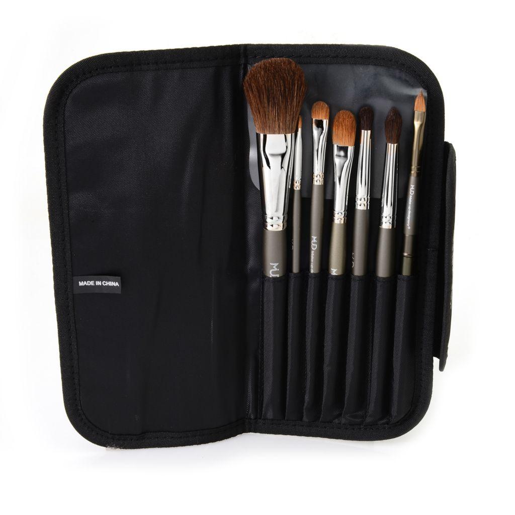 308-608 - MUD Seven-Piece Brush Set w/ Travel Brush Case