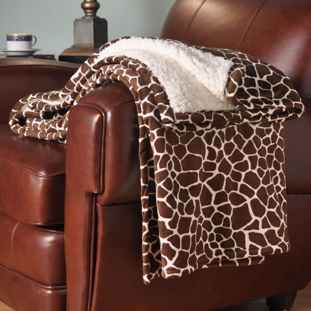 "401-073 - Cozelle® Micro Plush 70"" x 60"" Reversible Oversized Throw"