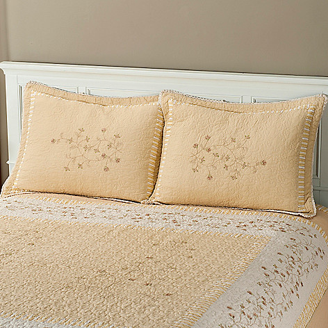 401-815 - North Shore[ ''Sundance'' Cotton Floral Embroidered Quilted Sham Pair