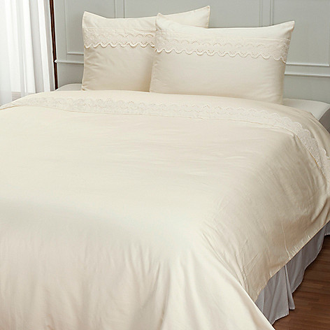 401-946 - North Shore Linens™ ''Battenburg'' 300TC Cotton Three-Piece Duvet Set