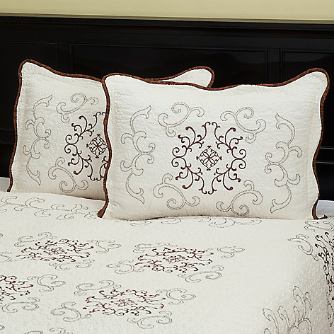 402-077 - North Shore™ Collectible Quilts ''Gloria'' 100% Cotton Quilted Sham Pair