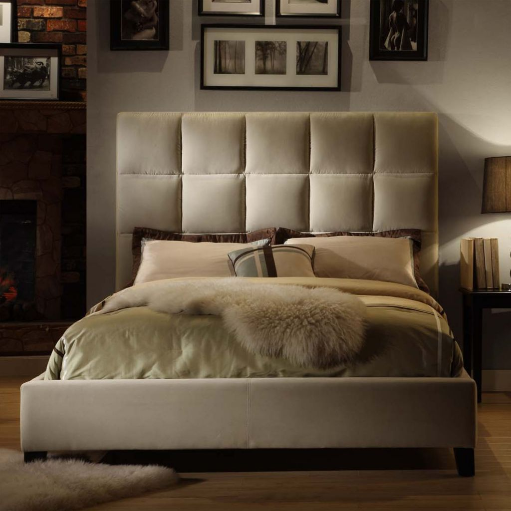 419-049 - VELVET TUFTED QUEEN BED