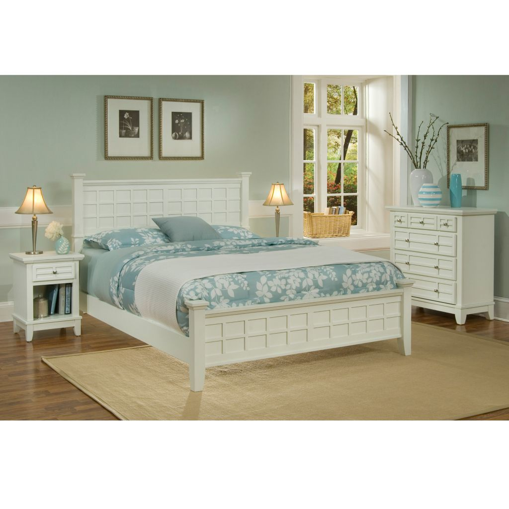 423-081 - Home Styles Arts & Crafts Queen Bed & Nightstand