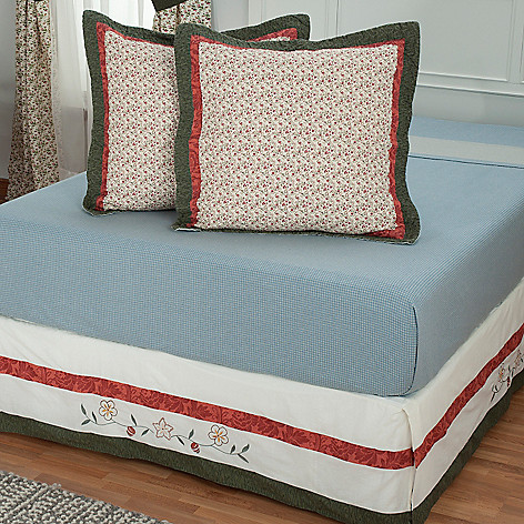 430-316 - North Shore™ Collectible Quilts ''Hayworth'' Euro Sham Pair & Bed Skirt Set