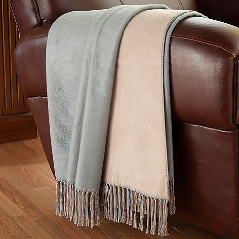 430-685 - North Shore Linens™ Rayon from Bamboo 70'' x 50'' Reversible Throw