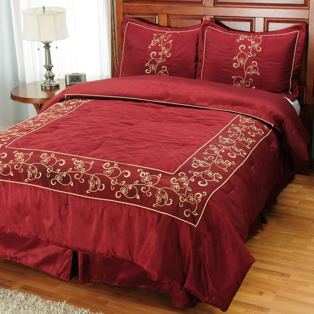 "431-029 - North Shore Linens™ ""Taylor"" Four-Piece Bedding Ensemble"