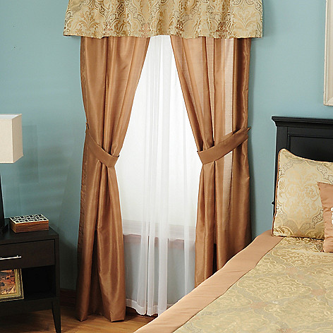 431-355 - North Shore Linens™ ''Tatiana'' Four-Piece Window Set