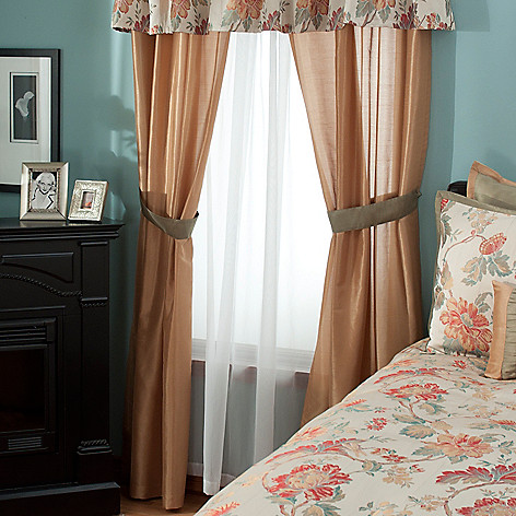 431-370 - North Shore Linens™ ''North Hampton'' Four-Piece Window Set