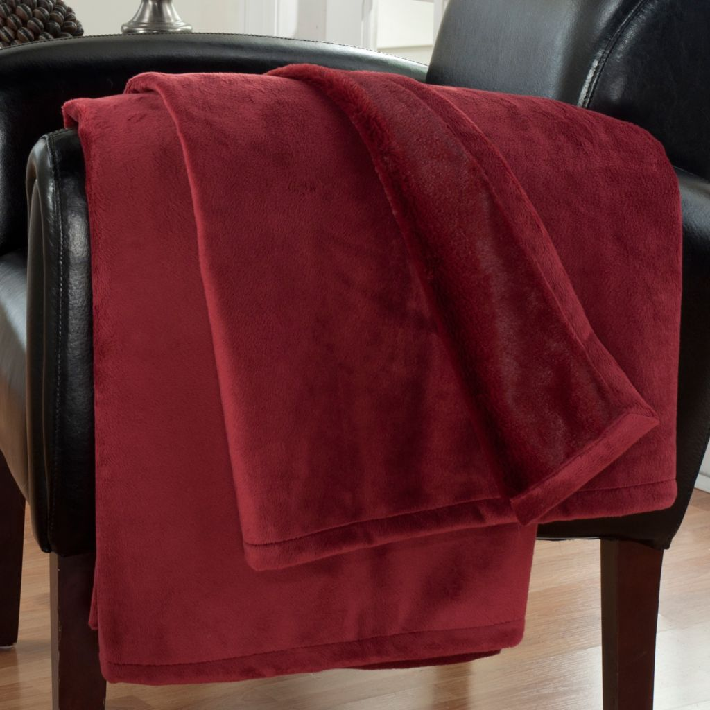 "431-629 - Cozelle® 60"" x 50"" Vintage-Style Mercer Faux Fur Throw"