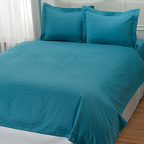 431-982 - North Shore Linens™ 600TC Egyptian Cotton SureSoft™ Three-Piece Duvet Set