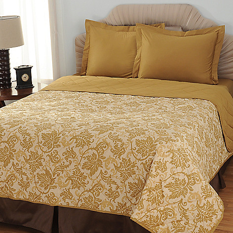433-709 - North Shore Linens™ Three-Piece 600TC Egyptian Cotton SureSoft™ Coverlet Set