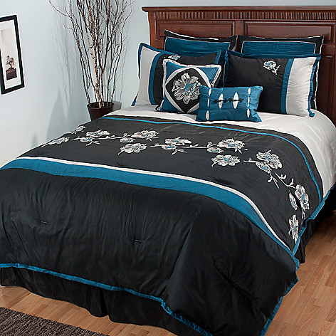 434-945 - North Shore Linens™ ''Isabella'' Eight-Piece Bedding Ensemble