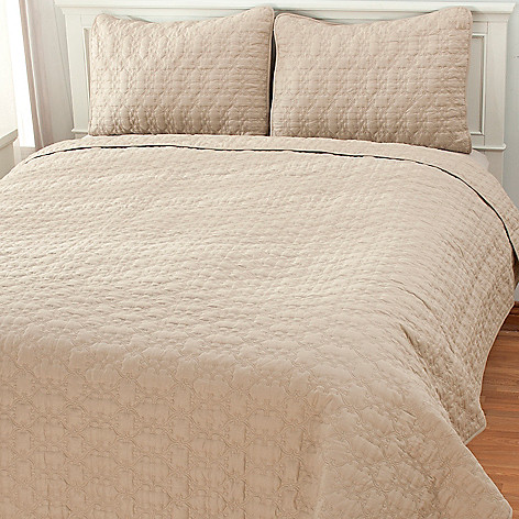436-497 - North Shore Linens™ Three-Piece Cotton Lattice Coverlet Set