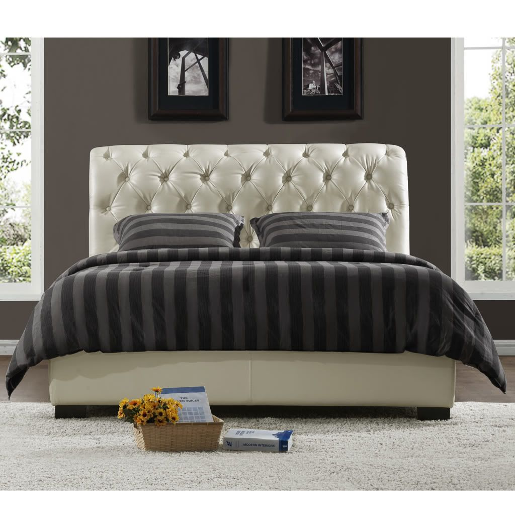 436-916 - Homebasica Soft White Button Tufted Queen Bed