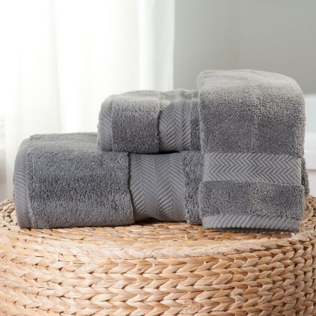 437-982 - Cozelle® Three-Piece Cotton Towel Set