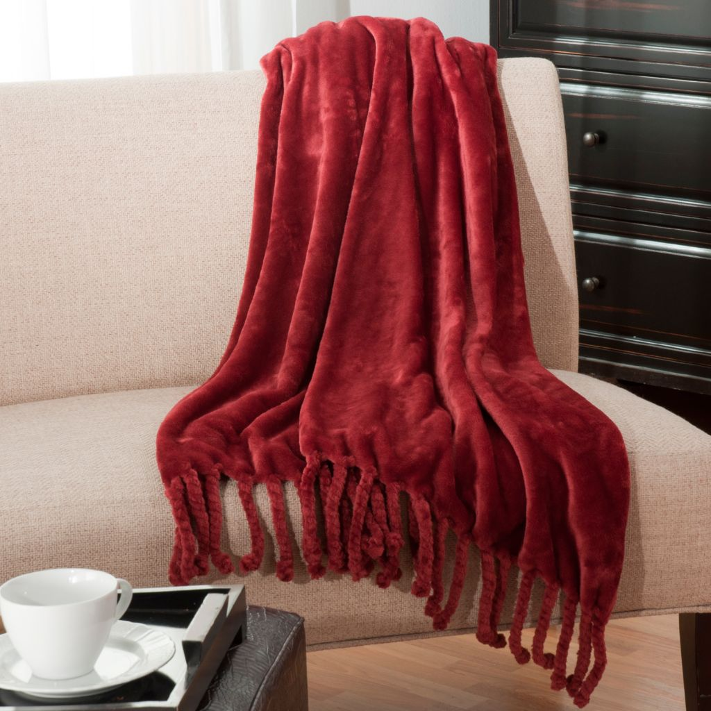 "438-078 - Cozelle® 50"" x 60"" Luxe Plush Throw w/ Twisted Fringe"