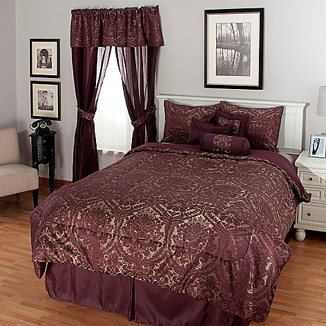 439-708 - North Shore Linens™ Baroque Jacquard 12-Piece Bedding Ensemble