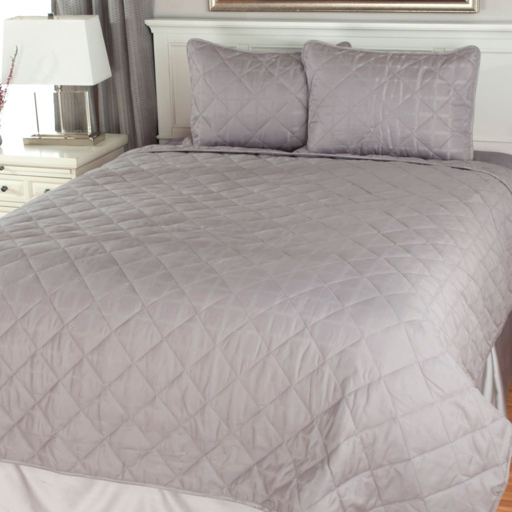 441-308 - North Shore Linens™ 1000TC Three-Piece Cotton/Poly Blend Windowpane Woven Coverlet Set