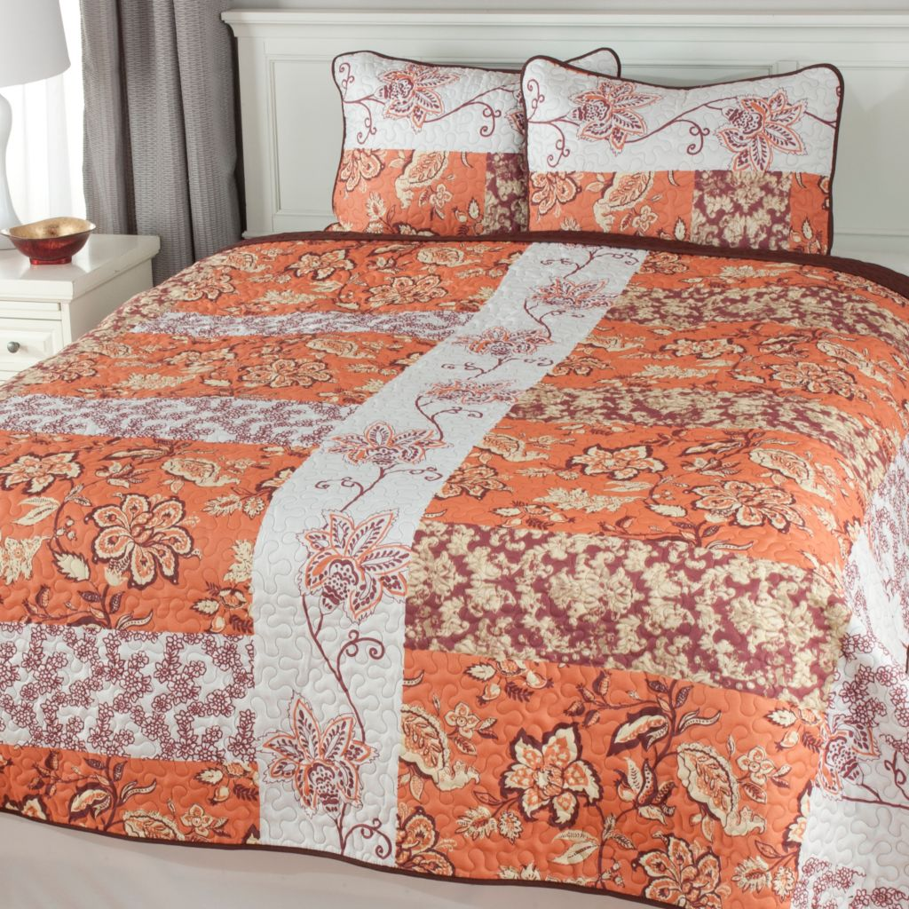 441-470 - North Shore Linens™ Multi Floral Three-Piece Quilt Set