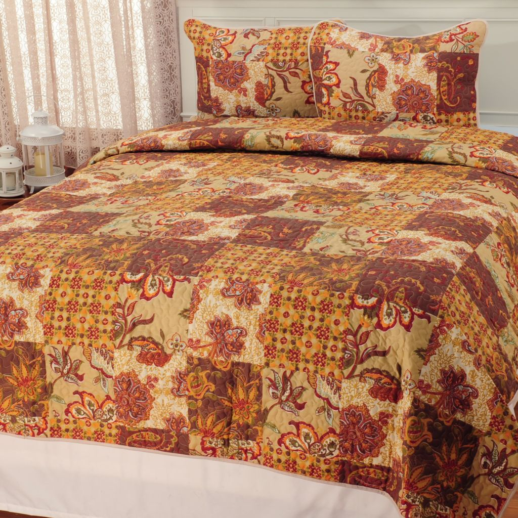 441-471 - North Shore Linens™ Multi Floral Paneled Three-Piece Quilt Set
