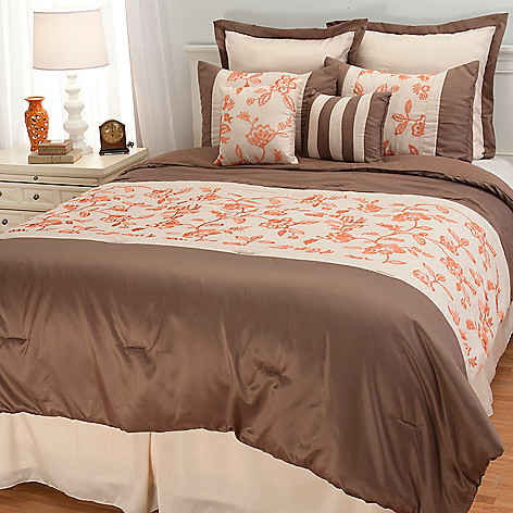 441-867 - North Shore Linens™ Floral Jacquard Eight-Piece Bedding Ensemble