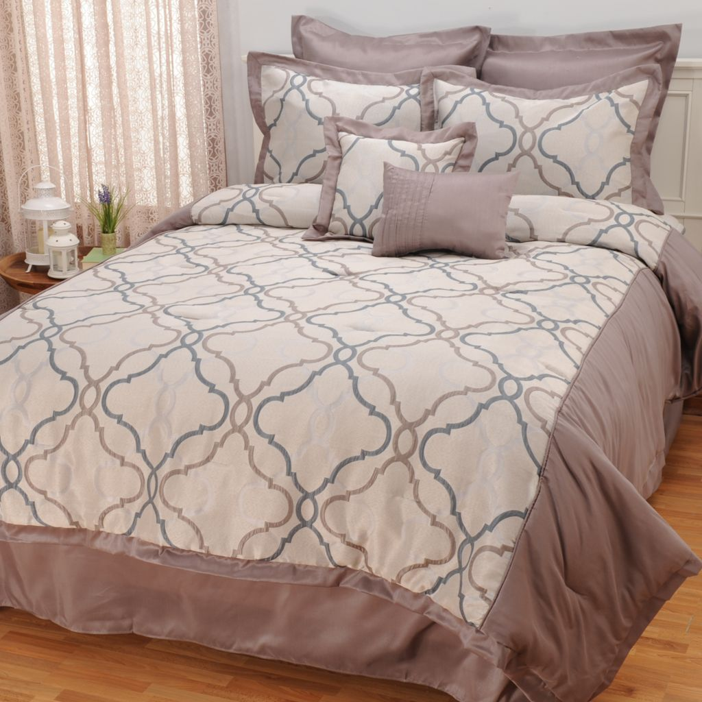 441-868 - North Shore Linens™ Medallion Jacquard Eight-Piece Bedding Ensemble