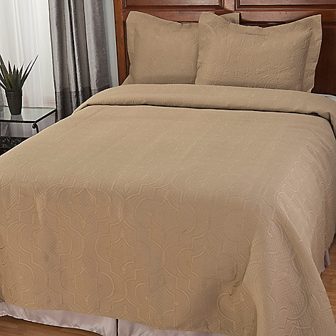 441-869 - North Shore Linens™ Scrollwork Three-Piece Bedspread Set