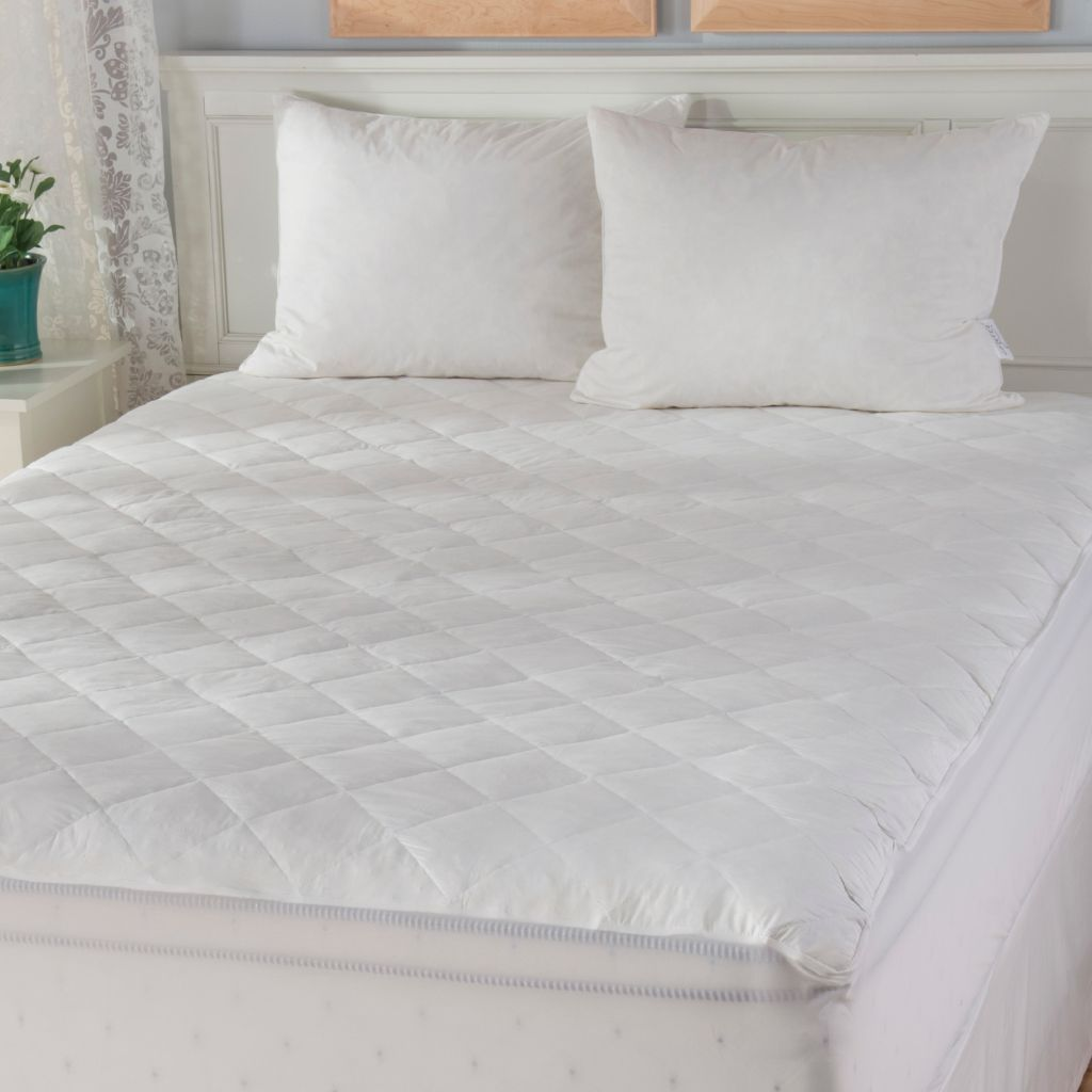 442-653 - Cozelle® 233TC Cotton Feather Plus Mattress Pad & Set of Two Pillows