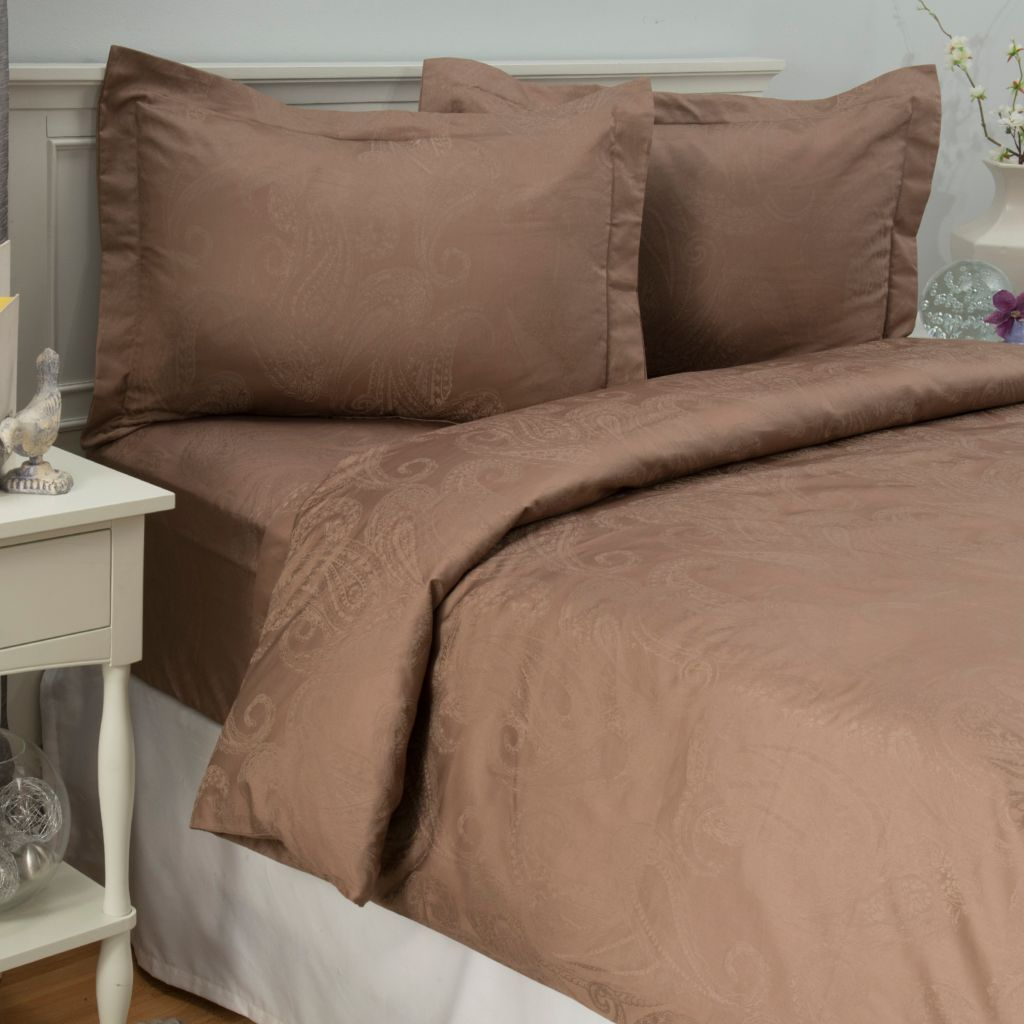 442-703 - Cozelle® 400TC Easy Care Cotton/Poly Blend Paisley Jacquard Three-Piece Duvet Set