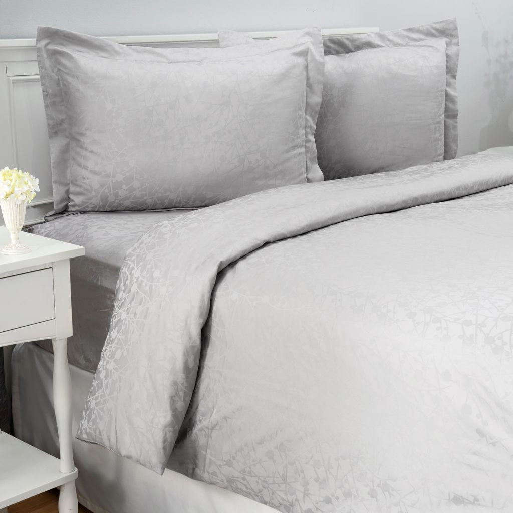 442-705 - Cozelle® 400TC Easy Care Cotton / Poly Blend Blossom Jacquard Three-Piece Duvet Set