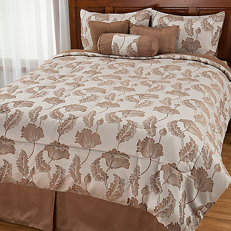 442-958 - North Shore Linens™ Leaf Woven Jacquard Seven-Piece Bedding Ensemble