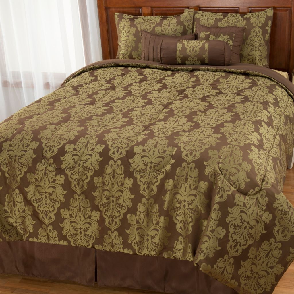 442-959 - North Shore Linens™ Medallion Jacquard Seven-Piece Bedding Ensemble