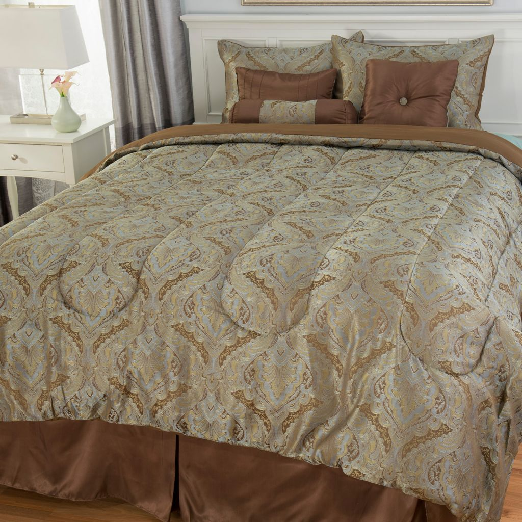 442-961 - North Shore Linens™ Medallion Jacquard Seven-Piece Bedding Ensemble