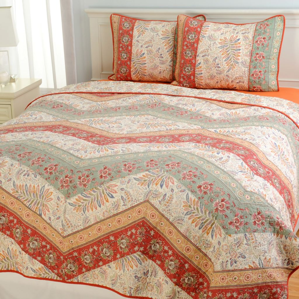 443-386 - Cozelle® Cotton/Poly Blend Multi Panel Floral Three-Piece Quilt Set