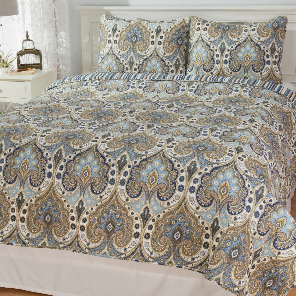 444-332 - Cozelle® Cotton/Poly Blend Damask & Striped Reversible Three-Piece Quilt Set