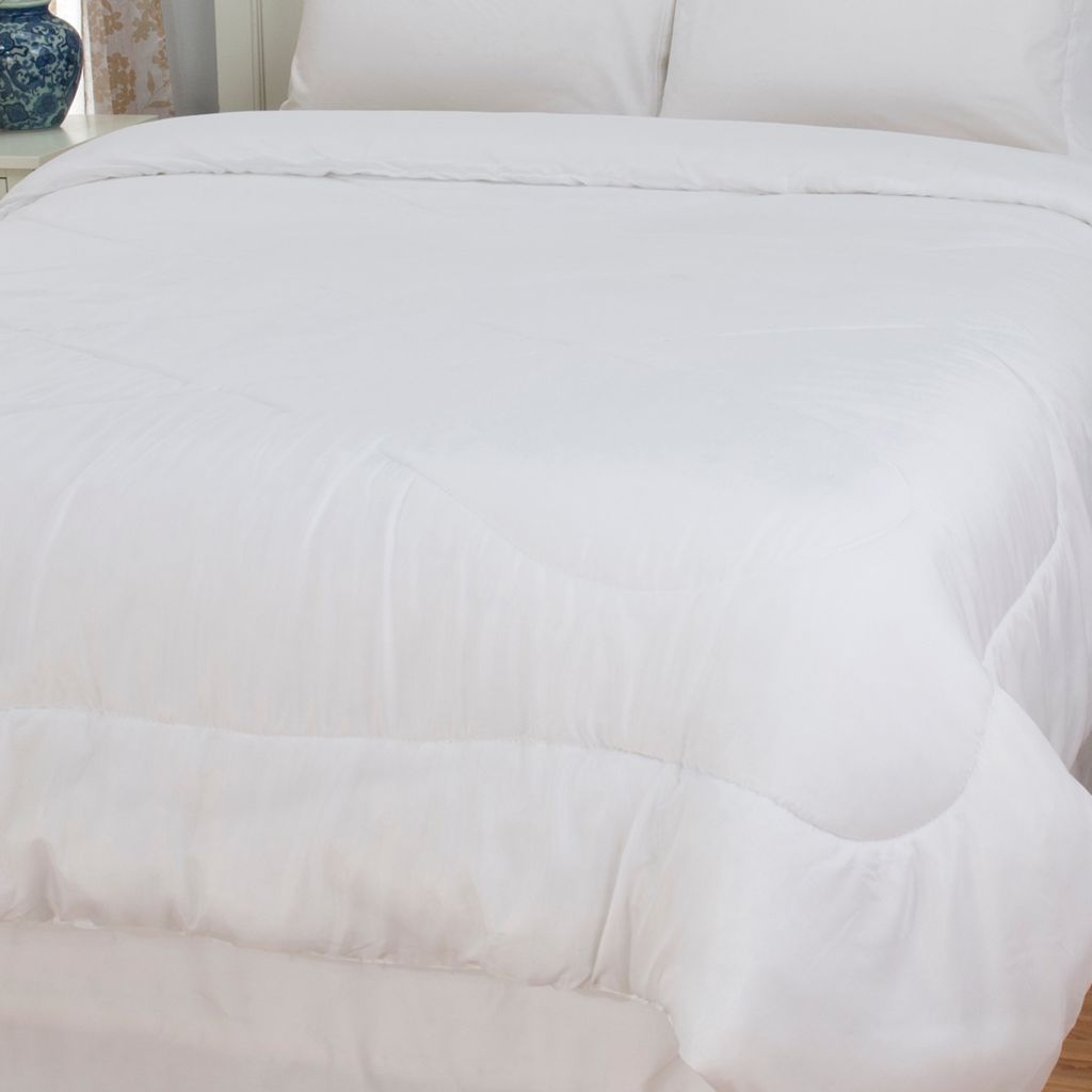 447-348 - Cozelle® Microfiber Easy Care Down Alternative Comforter