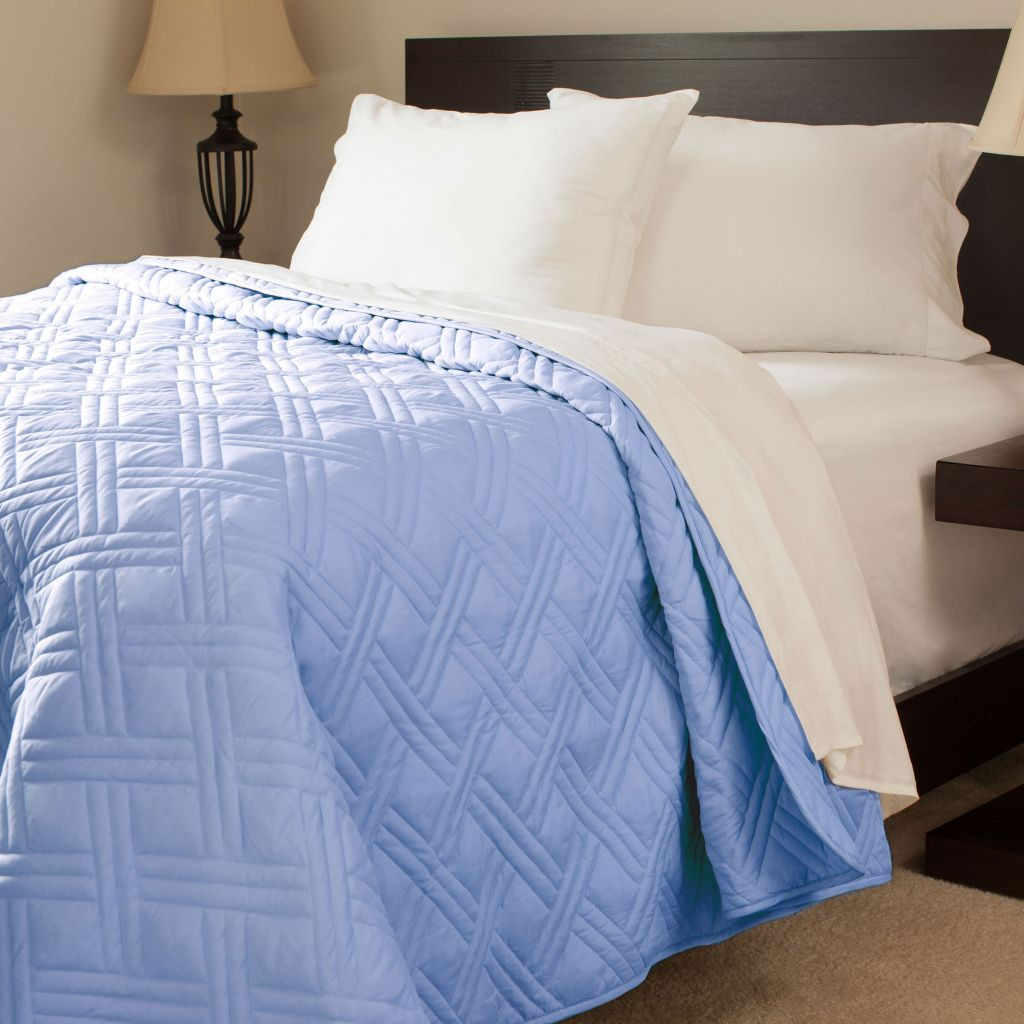 448-990 - Lavish Home Solid Color Bed Quilt