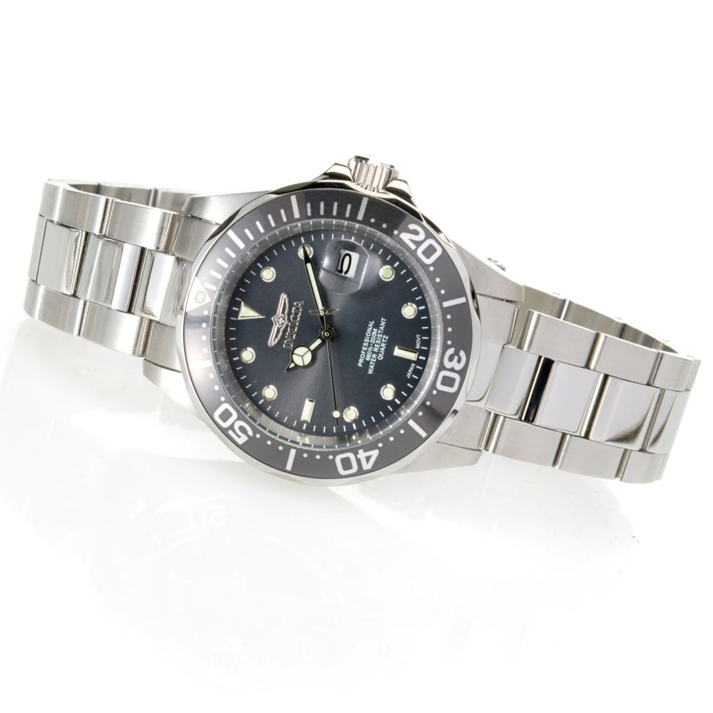 621-816 - Invicta Pro Diver Quartz Stainless Steel Bracelet Watch w/ Three-Slot Dive Case