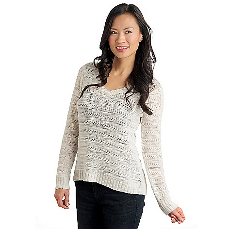 711-007 - Kate & Mallory Open Stitch Knit Long Sleeved V-Neck Hi-Lo Sweater