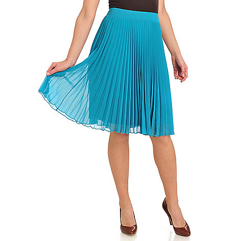 711-299 - WD.NY Georgette Accordion Pleat Side Zip Knee Length Skirt