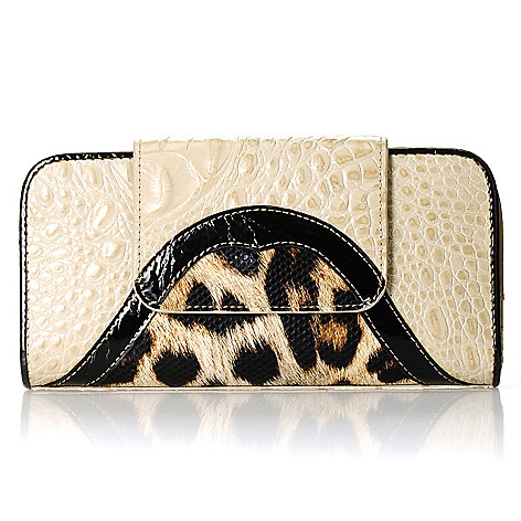 712-343 - Madi Claire Croco Embossed Leather ''Alexandra'' Wallet