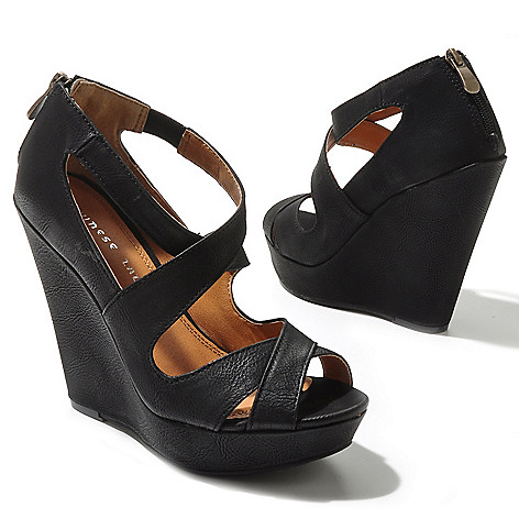 712-572 - Chinese Laundry ''Motion'' Platform Wedge Sandals