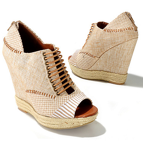 712-577 - Chinese Laundry ''Make My Day'' Espadrille Peep Toe Wedges