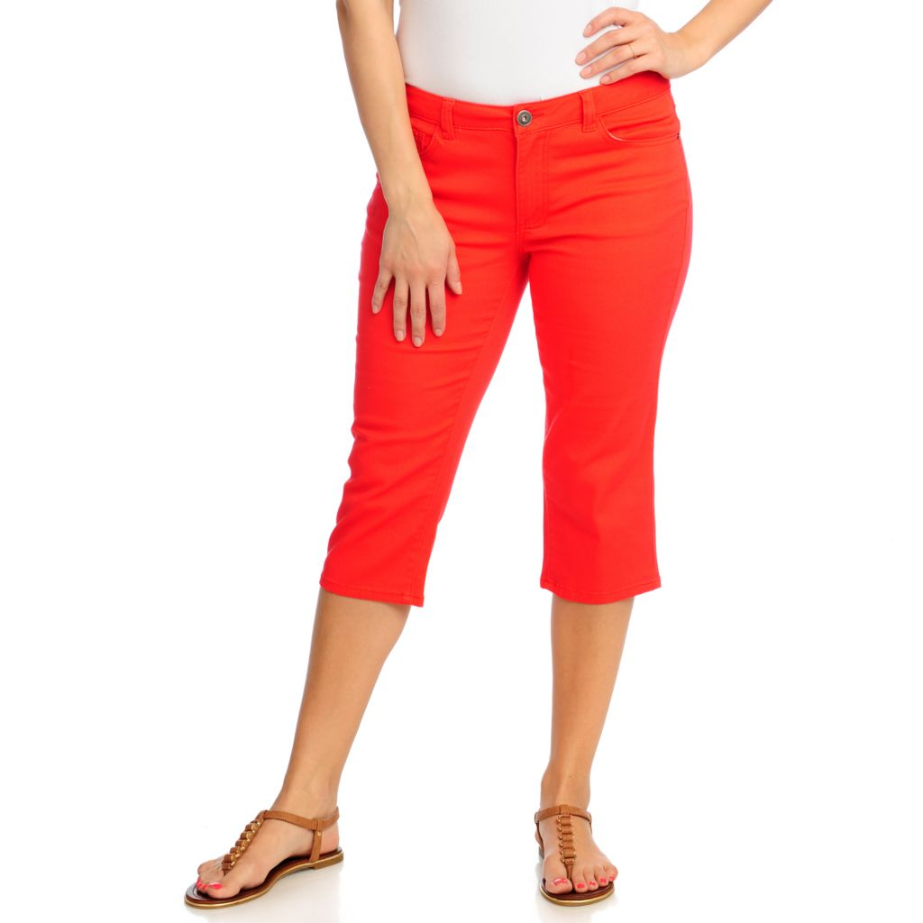 713-109 - OSO Casuals Stretch Twill Embellished Back Pocket Capri Pants