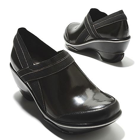 713-768 - Jambu Patent Leather Slip-on Clogs